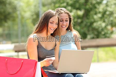 freunde einkaufen online bezahlen mit kreditkarte