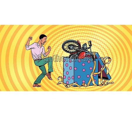 afrikanischer mensch und motorrad urlaub geschenkbox