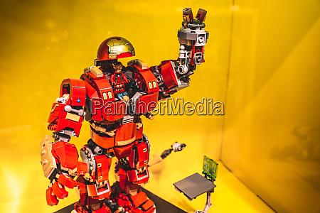 lego iron man modell