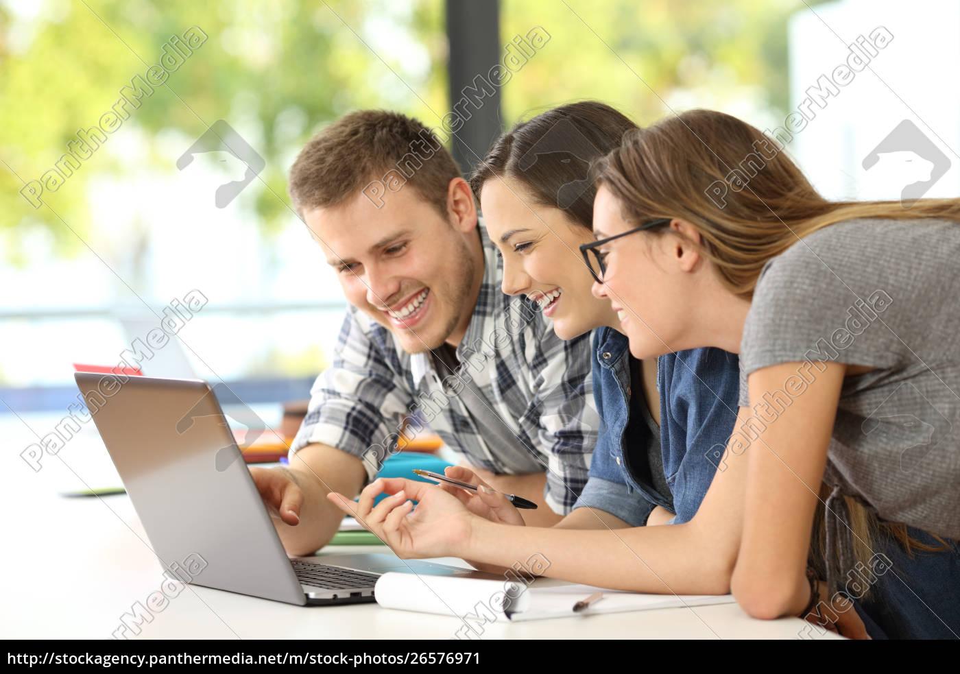 drei, schüler, lernen, online, zusammen - 26576971