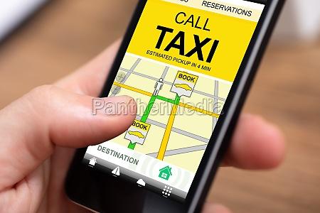 anruf taxi anwendung auf mobilem bildschirm