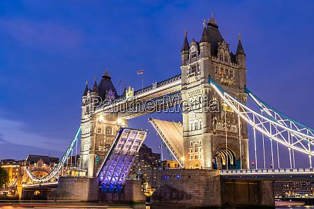 aufhebung der london tower bridge