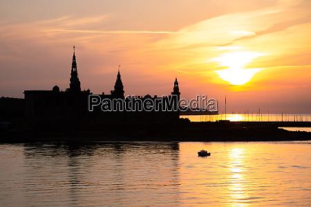 kronborg erburg silhouette in helsingor bei