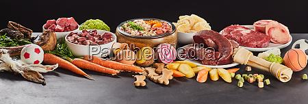 panoramabanner mit verschiedenen frischen speisen fuer