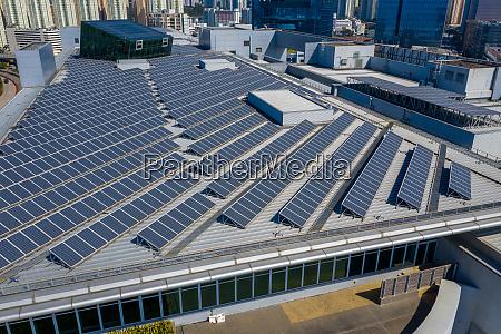 dachplatte mit solarkraftwerk