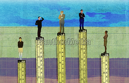 businessmen higher than businesswomen in corporate