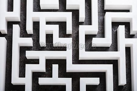 ein erhoehter blick auf das labyrinth