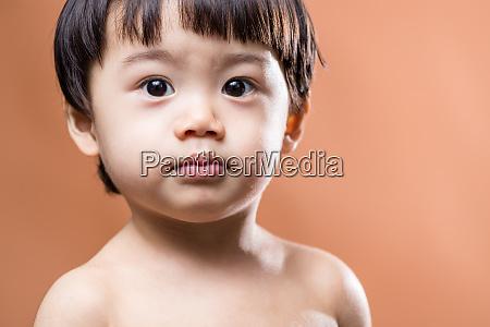 asiatische baby nackt