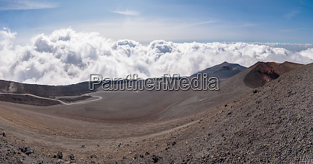 etna vulkan italien sizilien krater strasse
