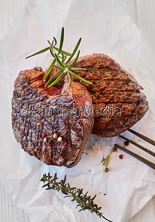 two gourmet medallions of grilled fillet
