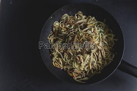 bavette pasta mit pilz und austernpilz