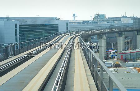 eisenbahn moderne transitzug flughafen