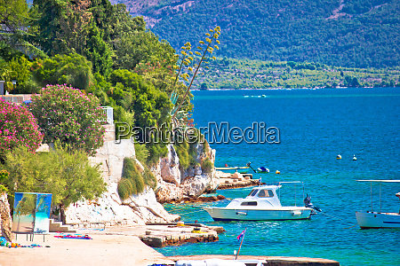 brodarica village beach and stone coastline