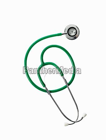 ein doktorstethoskop mit gruenen schlaeuchen eine