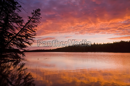 glad lake with brilliant colours at