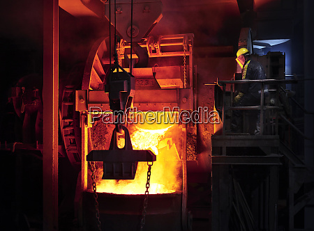 industry, , worker, controlling, smelting, process - 27029996
