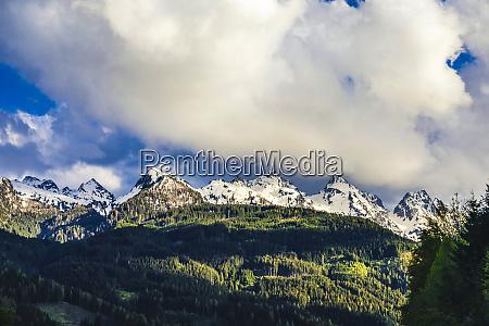 italien trentino alto adige predazzo schneebedeckte