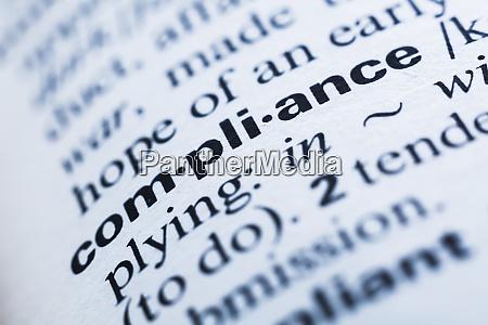 schluesselwort in einem woerterbuch compliance