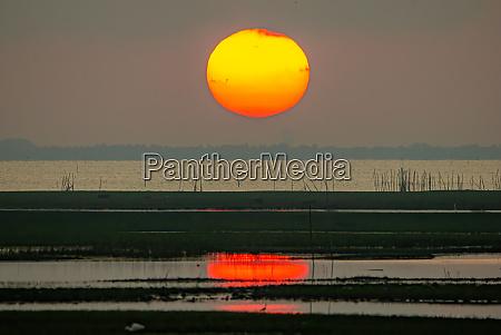 der grosse sonnenaufgang ist orange sonnenaufgang