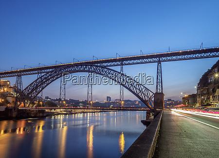 dom luis i bridge and douro