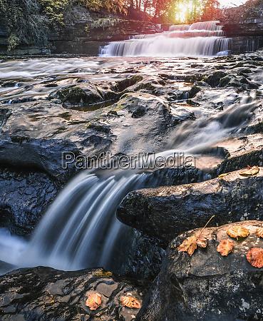 lower aysgarth falls on the river