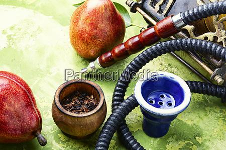 rauchen arabische hookah mit birne