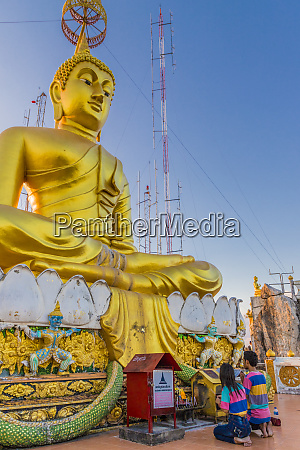 the big buddha statue at the