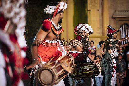 duruthu, perahera, vollmondfeiern, im, kelaniya, raja - 27064531