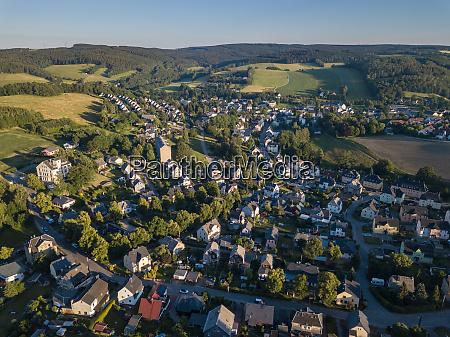 blick ueber burkhardtsdorf erzgebirge bei chemnitz