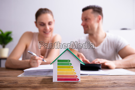 haus zeigt energieeffizienzrate
