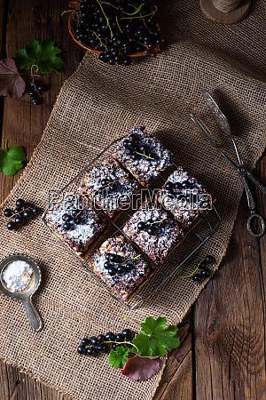 polnischer kuchen aus zinn mit fruechten