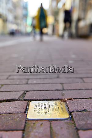 pedras de tropeco stolpersteine placas comemorativo