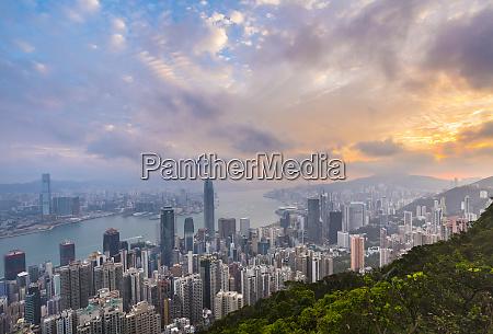 hong kong central skyline und victoria