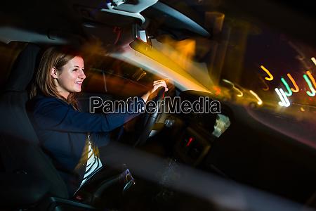 autofahren in der nacht huebsche