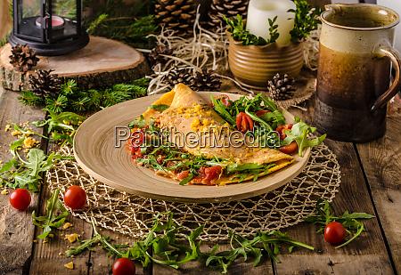 vegetarisches omelett mit tomaten cheddar kaese