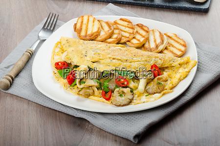 rustikales vegetarisches omelett