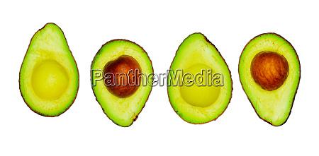 avocado mit samen isoliert auf weissem