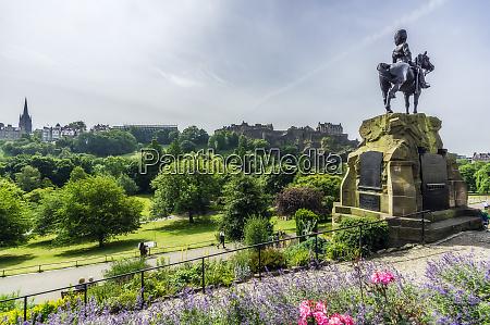 grossbritannien schottland edinburgh castle rock soldatendenkmal