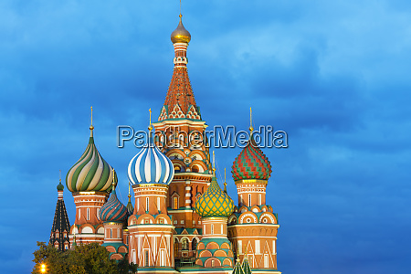 st basils cathedral lit up at