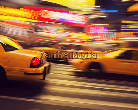 traditionelles, gelbes, taxi, bei, nacht, new, york - 27267377