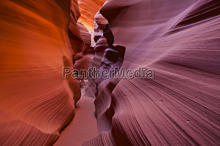 sandstone rock formations lower antelope canyon