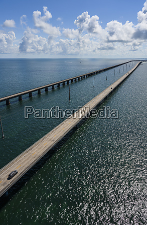 luftaufnahme der seven mile bridge in