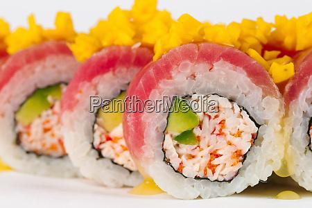 sushi, mit, surimi, und, rohem, fisch - 27272026