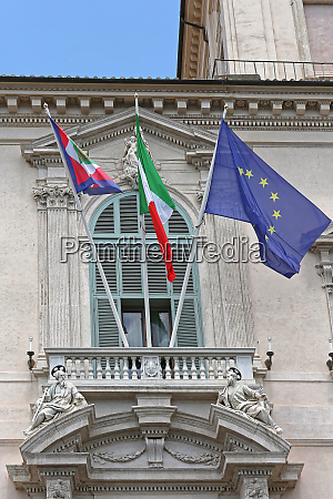 offizielle flaggen
