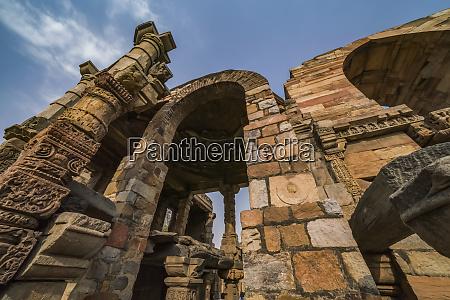 the historic sight called qutub minar