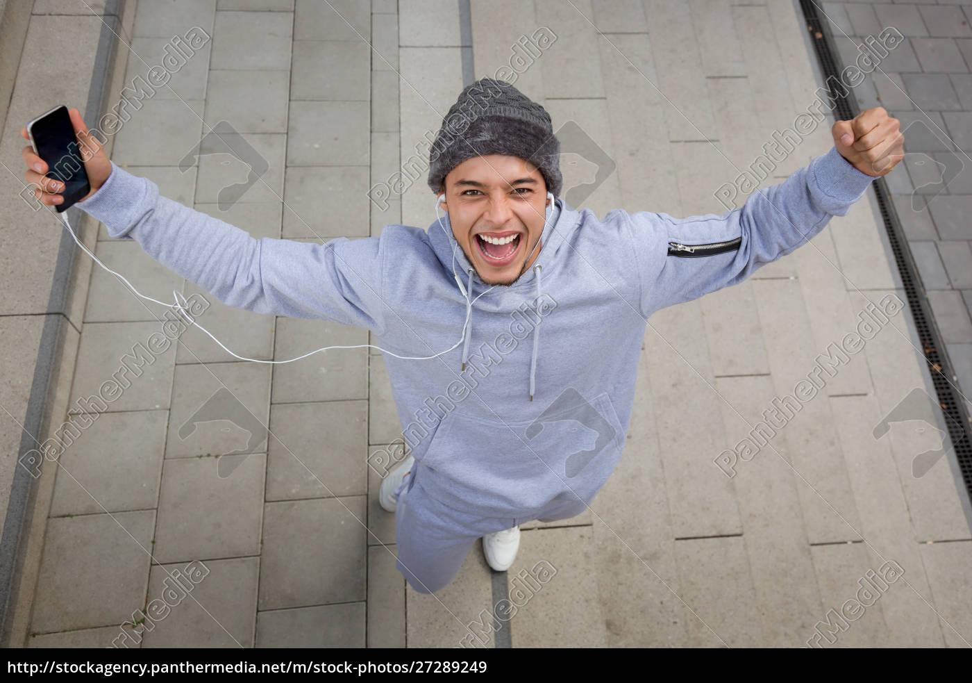 erfolgreiche, glückliche, junge, latin, mann, läufer - 27289249