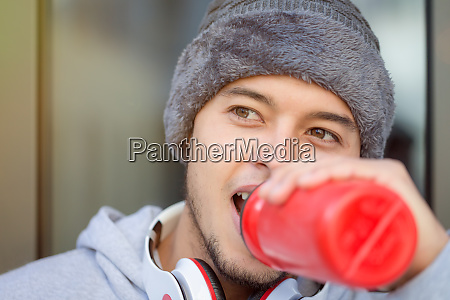 sporttraining, fitness, junge, latin, mann, trinken - 27289214