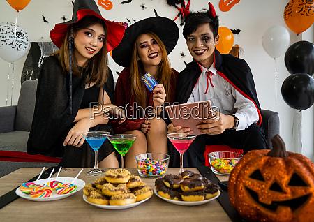 halloween party einkaufen