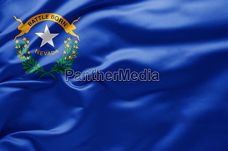 schwenkende staatsflagge von nevada vereinigte