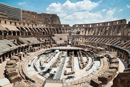 colosseum interior in rom italien